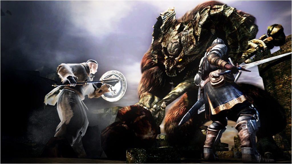※『ダークソウル』 2011年にフロム・ソフトウェアから発売された、PS3用のアクションRPG。『デモンズソウル』の系譜を受け継いでいる一方で、オープンワールドの広大なフィールドをシームレスに移動できるなど、変化している部分も多い。2014年に『ダークソウルⅡ』が、また2016年には『ダークソウルⅢ』が、それぞれ発売されている。 (画像はダークソウル オフィシャル ウェブサイトより)